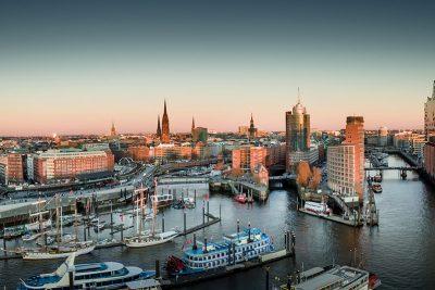 Landungsbrücken und Elbphilharmonie Führung Hamburg