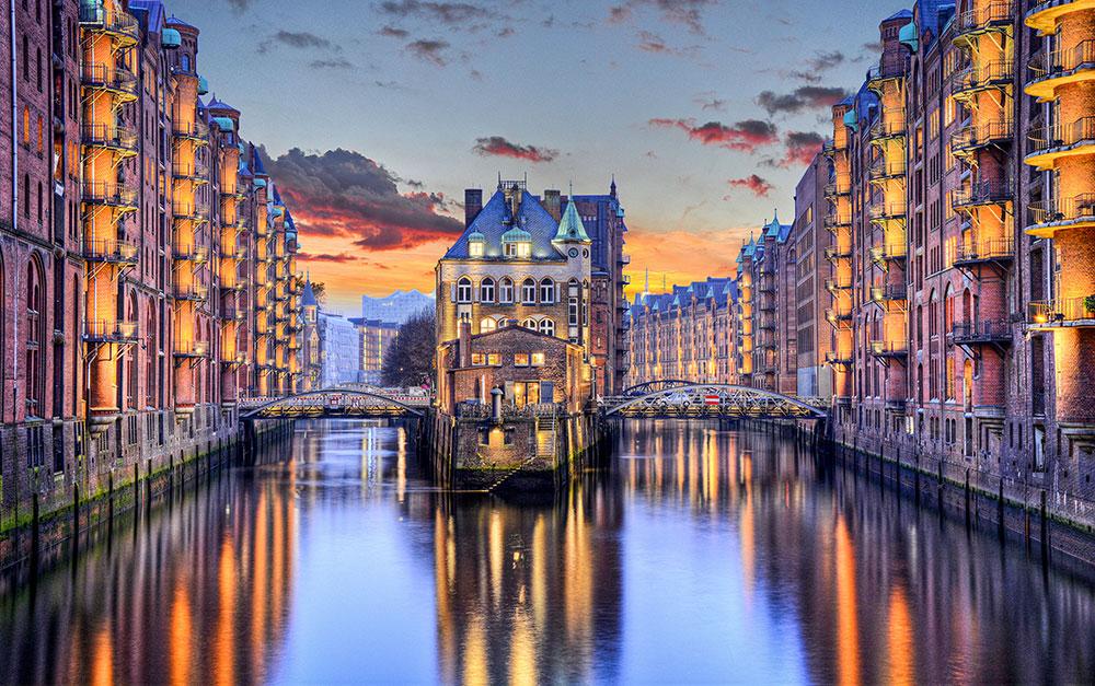 Hamburg Speicherstadt bei Sonnenuntergang