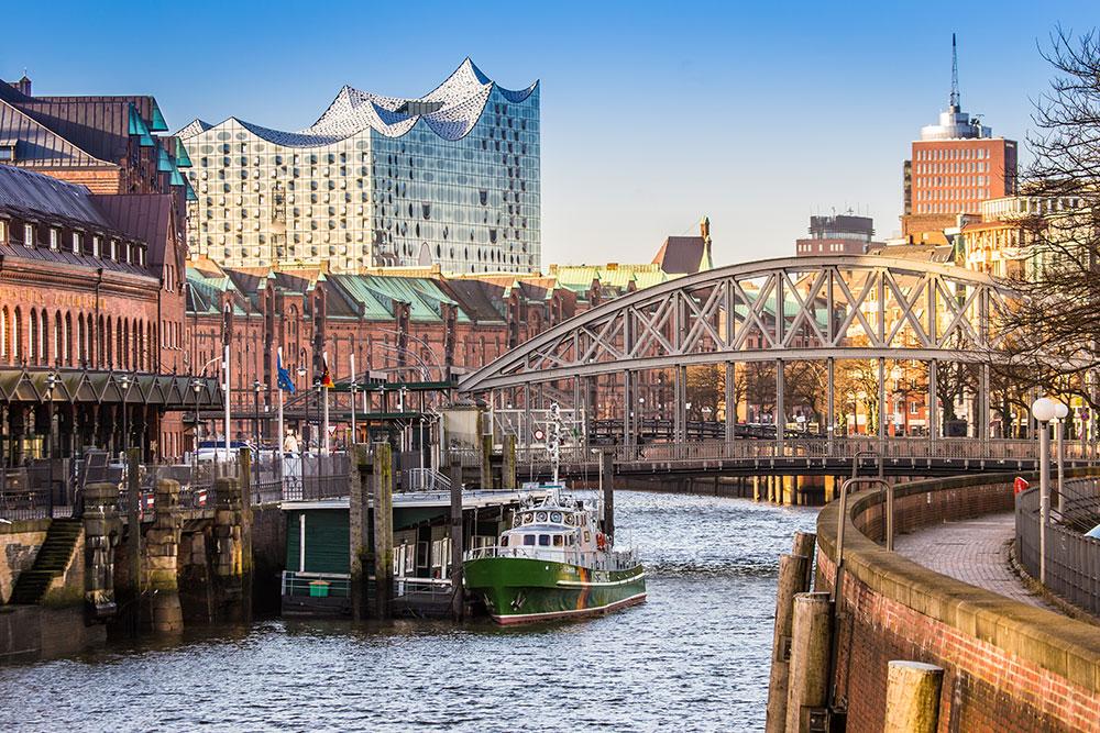 Speicherstadt und Elbphilharmonie Führung Hamburg Barkasse Hafenrundfahrt