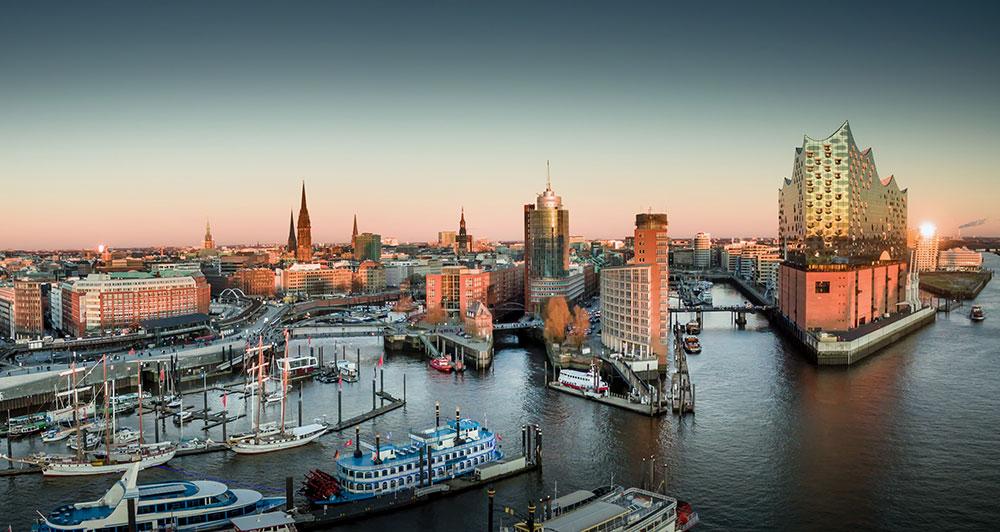 Hamburg Panorama Sicht über den Hafen