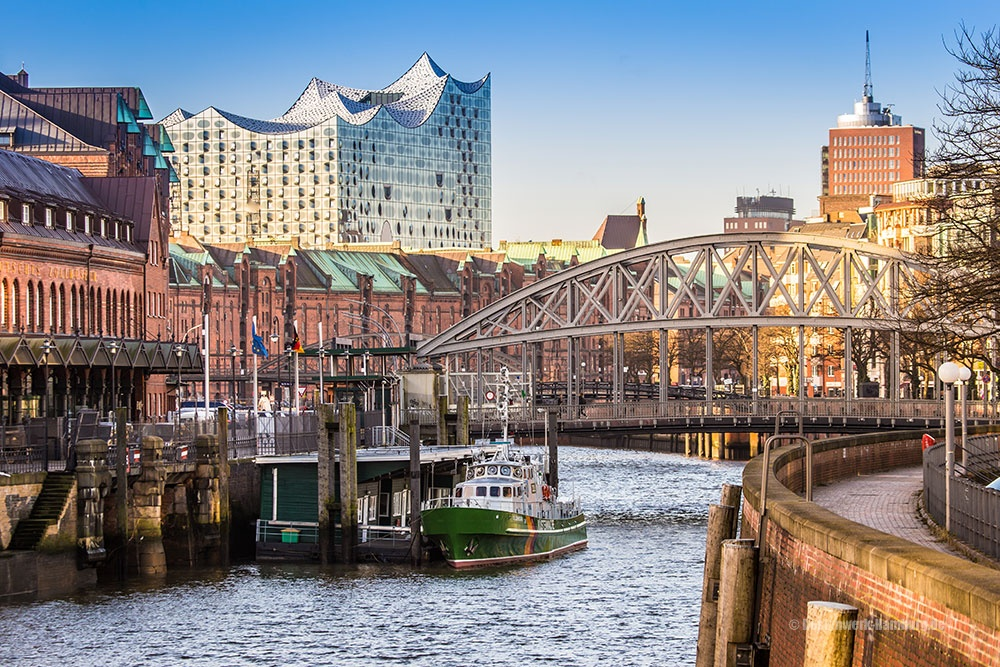Die historische Speicherstadt und moderne Elbphilharmonie