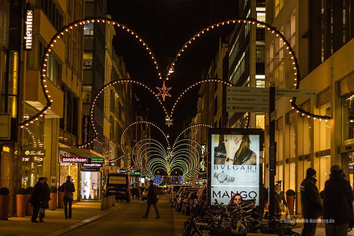 Der Neue Wall - die bekannte Shoppingmeile der Reichen und Schönen zur Weihnachtszeit